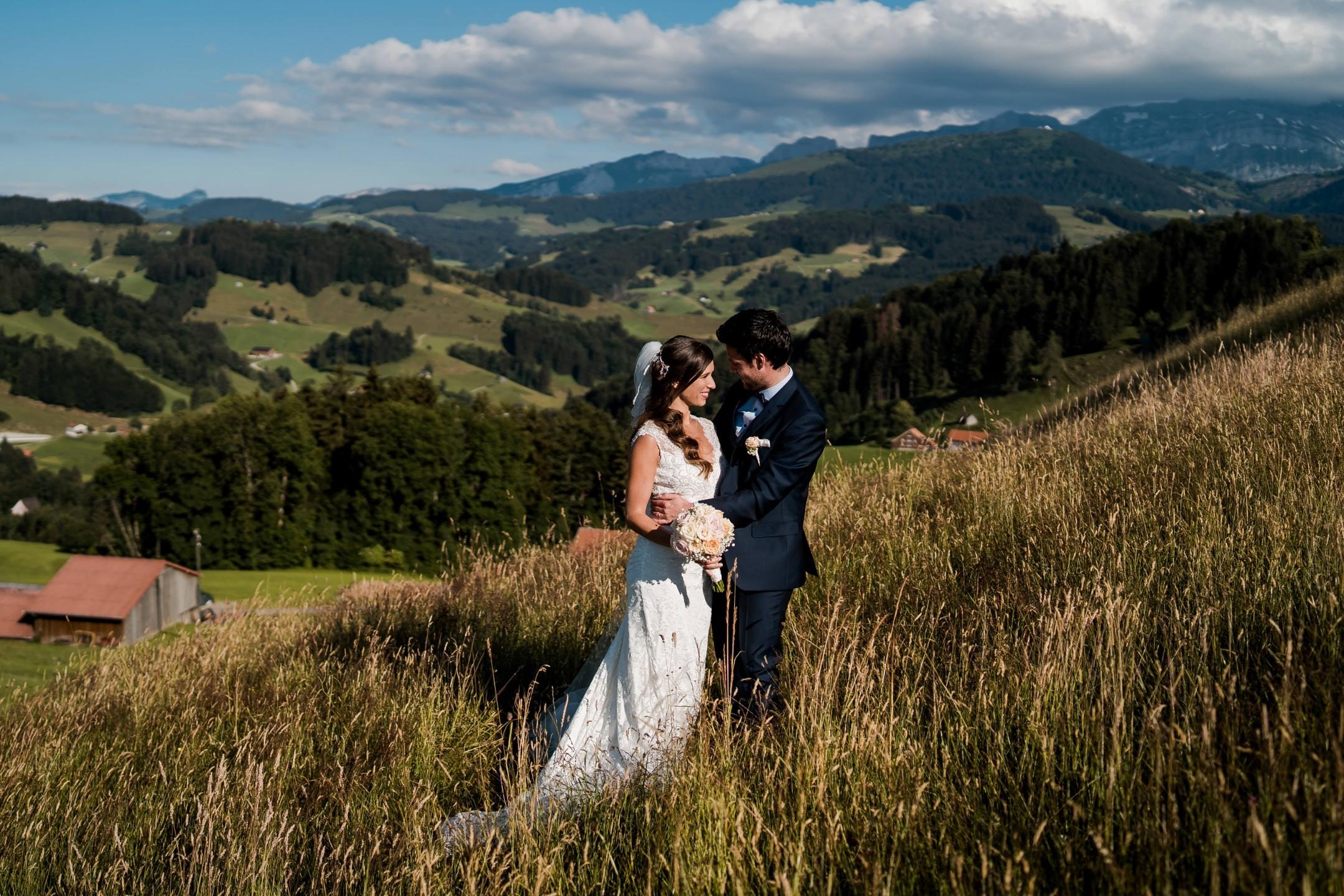 Aida + Tim | Hochzeitsfotografen am Bodensee Haldenhof Urnäsch, Schweiz