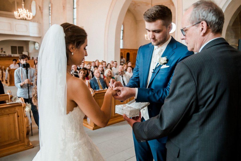 Aida + Tim | Hochzeitsfotografen am Bodensee fkn_0863_070918
